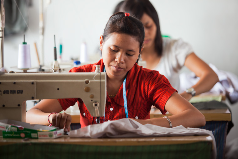 Schneiderin in der Textilindustrie