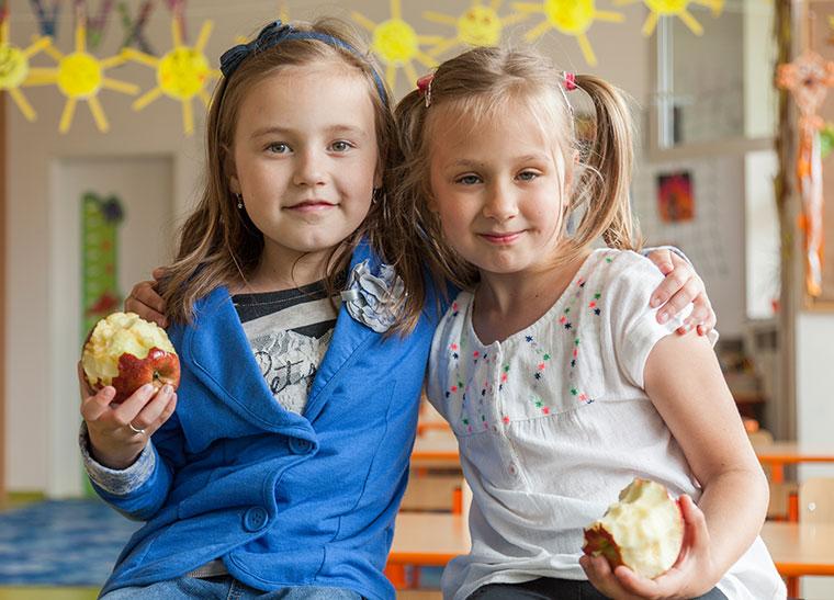Gesundes Essen in der Schule fördert die Gesundheit.