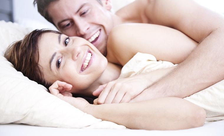 partnermatratze fuer gesunden rueckenschonenden schlaf zu zweit. Black Bedroom Furniture Sets. Home Design Ideas