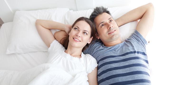 Partnermatratze für gesunden Schlaf zu zweit