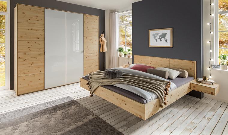 Holzbetten Schränke und Nachttische ein Schlafzimmer aus gutem ...