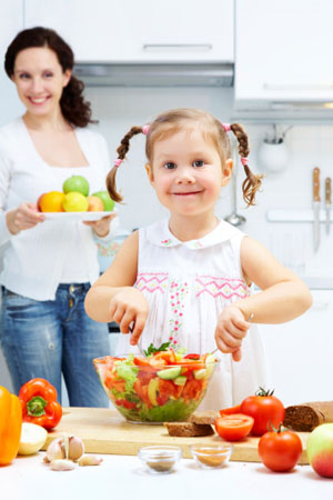 Das Kind soll selbst Hand anlegen, damit es besser schmeckt ©iStockphotos