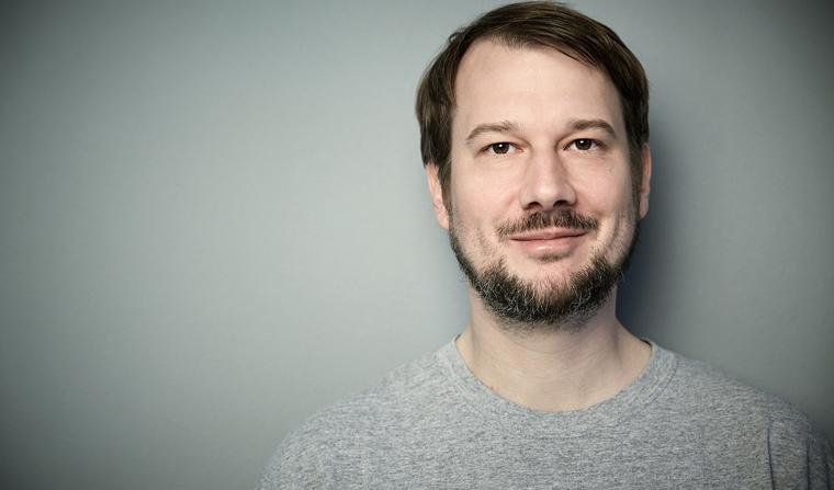 Alexander Fröde, Gründer von Eco-Weihnachtskarten welcher der  einzige Online-Shop, der ausschließlich umweltfreundlich produzierte Weihnachtskarten anbietet.