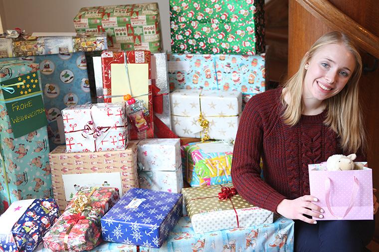 soziales unternehmen hipp spendet geschenke zu weihnachten. Black Bedroom Furniture Sets. Home Design Ideas