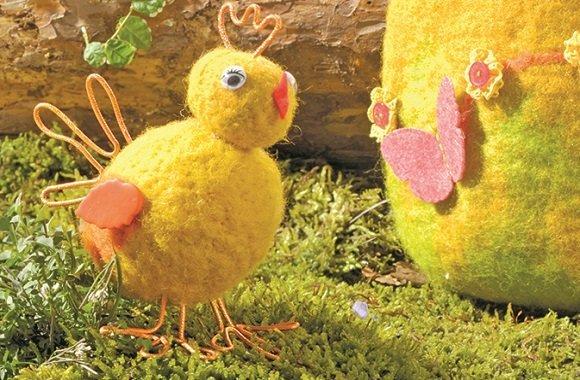 Ostern basteln lustige k ken h hner deko aus filz filzen for Wohnung dekorieren ostern