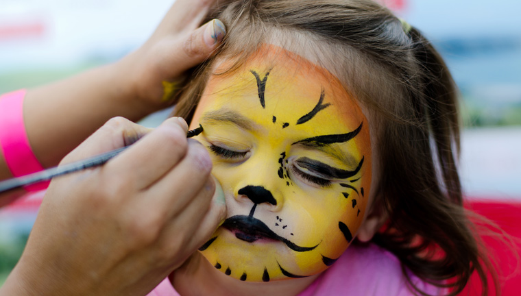 Krebserregende Stoffe in Kinderschminke