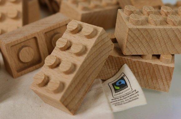 Zertifizierte, giftfreie Bausteine von Panorigo aus dem Naturprodukt Holz für Kinder