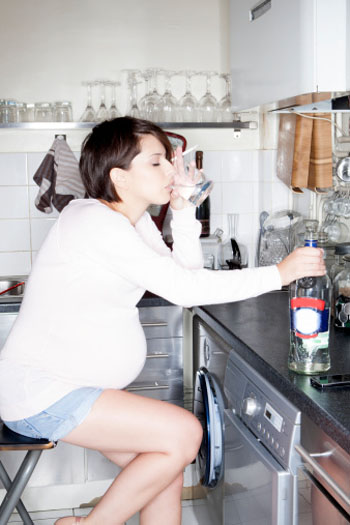 Alkoholkonsum während der Schwangerschaft ist sehr gefährlich! ©Photodisc