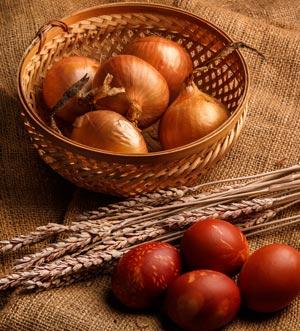 Eier färben auf natürliche Art und Weise