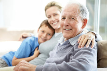Drei Generationen unter einem Dach. Heutzutage eine Win-Win-Situation für Jung und Alt ©iStockphoto