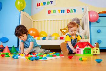 Schlechtes Wetter zwingt die Geburtstagsfeier nach innen ©iStockphotos