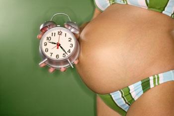 Die Blutung kann auch während der Schwangerschaft einsetzen ©Comstock