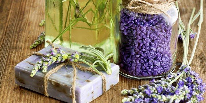 35 Einfache Rezepte für selbstgemachte Naturkosmetik