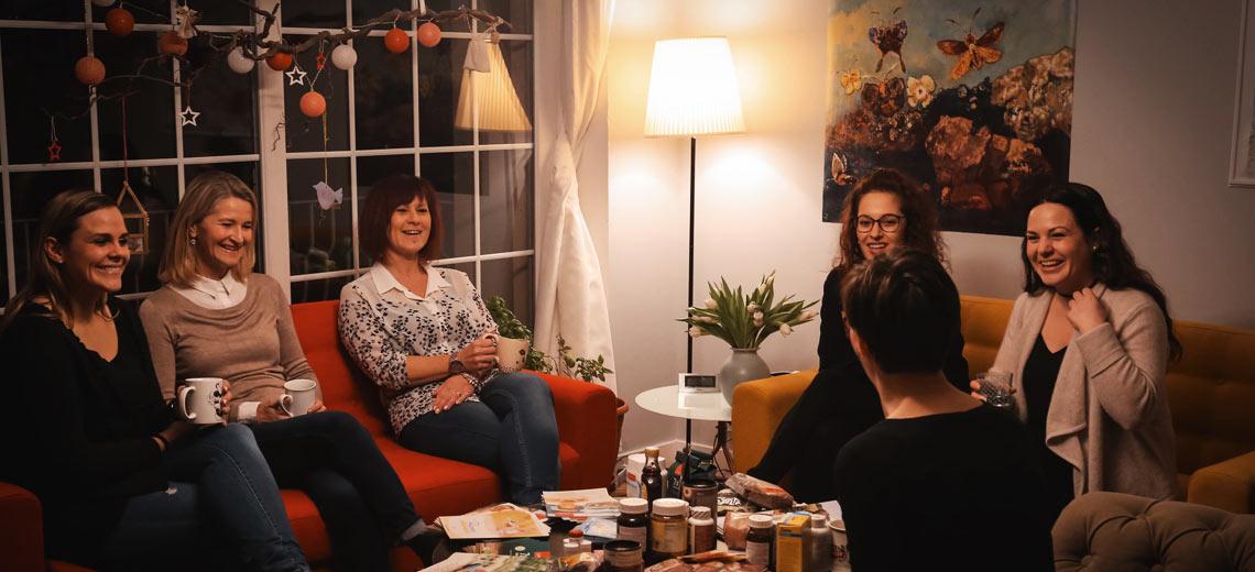 cook@home Kochkurse - die Teilnehmerinnen erfahren gesunde Rezeptideen